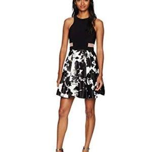 Illusion Inset Waist Floral Short Dress